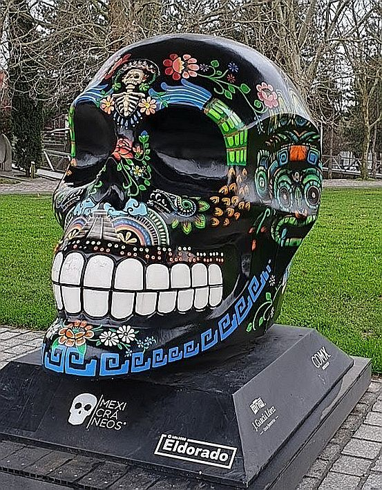 """Art mexicain à la Villette: exposition """"ALEBRIJÈS & MEXICRANEOS"""""""