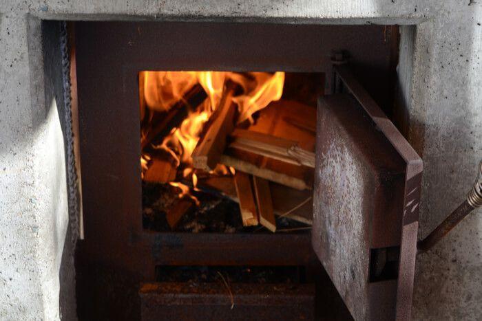 Sauna Faut Il Choisir Un Poêle A Bois Ou Un Modèle