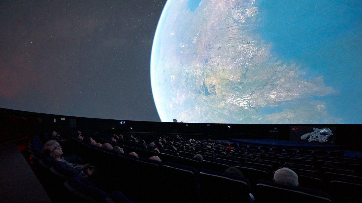 Le Planétarium de la Cité des Sciencesdevient le premier planétarium 8K en Europe, en s'équipant de projecteurs Sony.
