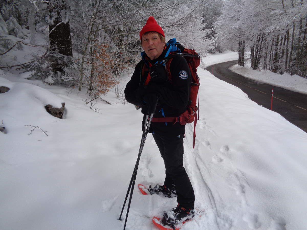 Quatorzième sortie raquettes neige de la saison : Le col de Carri ....