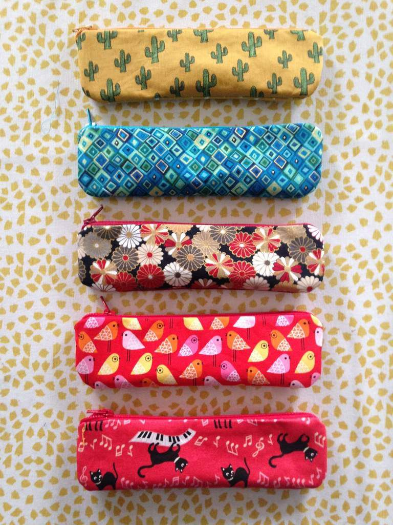 Des mini-rousses en tissu idéle pour mettre ses stylos ! Prix :15€