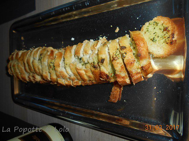 Baguette apéritive au beurre d'ail