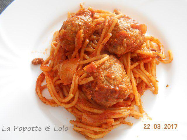 Spaghettis aux boulettes, façon One Pot Pasta