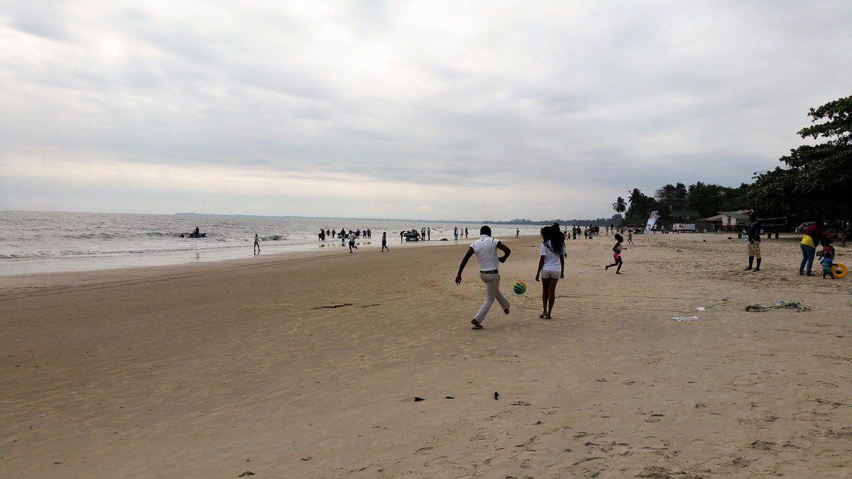 Promenade en centre-ville: Libreville, Gabon