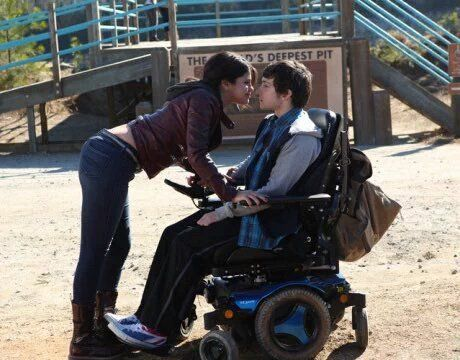 Selena Gomez et Craig Roberts dans  'The Fundamentals of Caring'