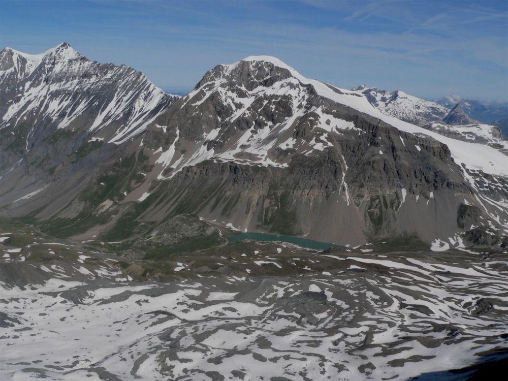 Vue sur la Gde Casse et la Gde Motte et le lac du Plan des Nettes