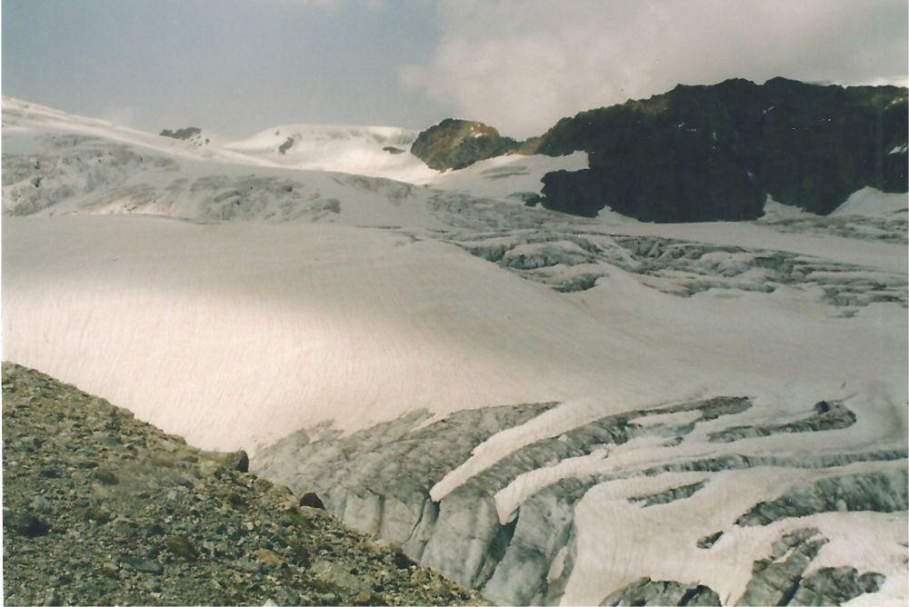 Le glacier crevassé de Stockji