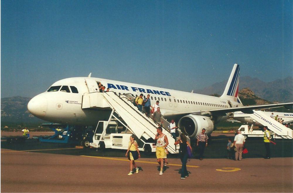 L'avion au départ de Satolas