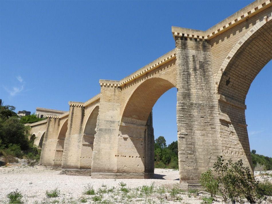 Le Pont Saint Nicolas ( Gardon)