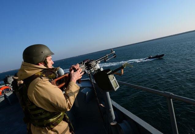 Jeux dangeureux en mer d'Azov