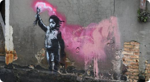 "Banksy a Venezia, il graffito quadruplica il valore del palazzo : de chi è l'immobile"" (Banksy à Venise, Le graffiti quadruple la valeur du palais : à qui appartient l'immeuble ?)"