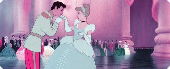 "Cenerentola, 70 anni fa usciva la fiaba animata che salvò Walt Disney (Il ya 70 ans sortait ""Cendrillon"", le conte de fées animé qui asauvé Walt Disney)"