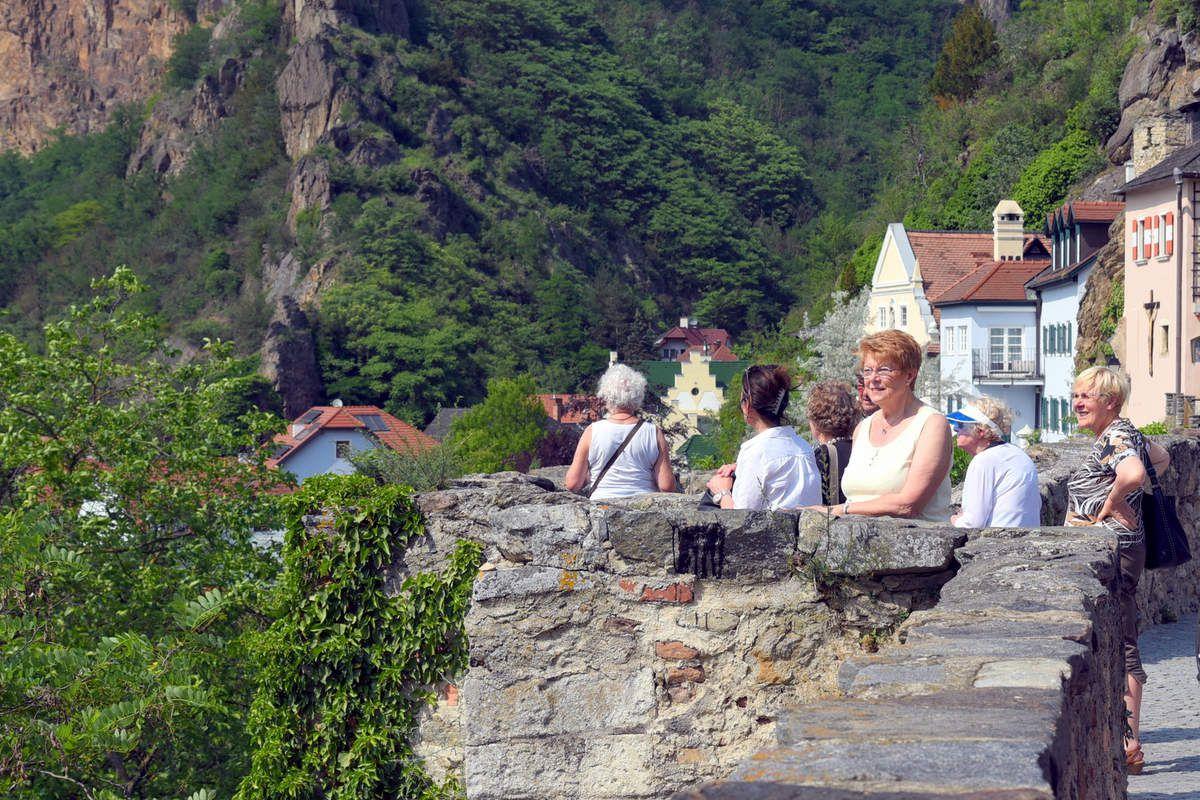 Mardi 29 mai: Visite du monastère Bénédictin de MELK, Déjeuner au restaurant «ZUM SCHWARZEN BAREN» , Temps libre au village de DURNSTEIN, Pot de l'amitié à l'hôtel ARCOTEL KAISERWASSER