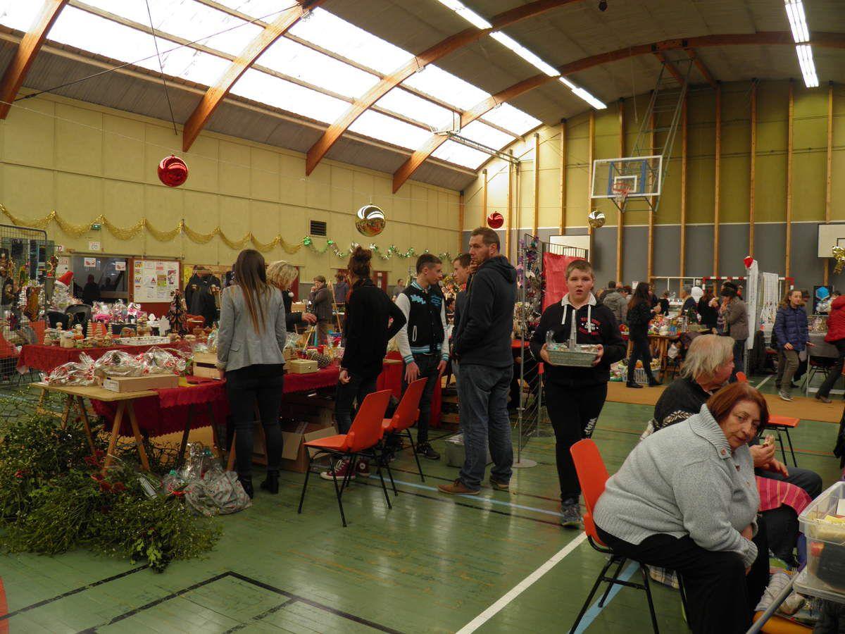 La Confrérie au marché de Noël de Pré-en-Pail le 11 décembre 2016