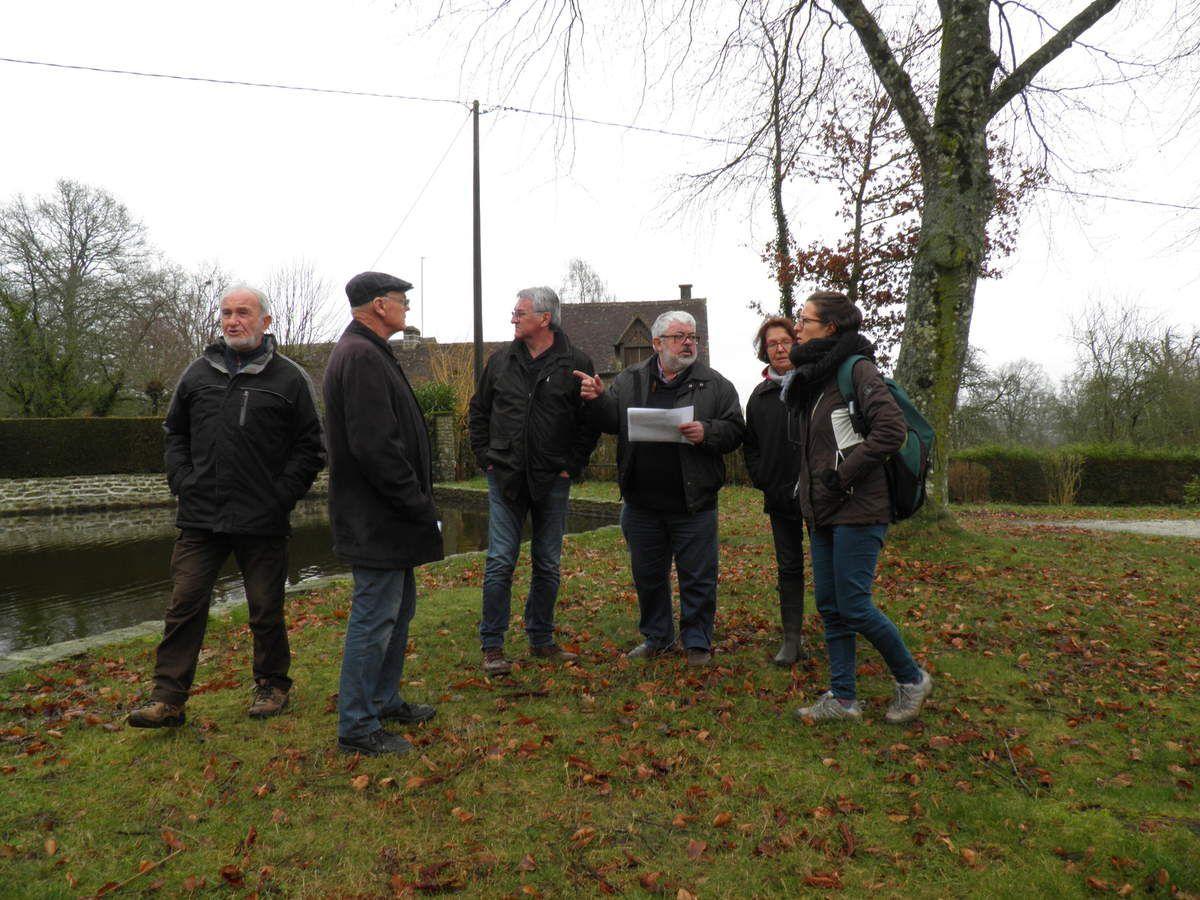 Daniel, René, Francis, Patrick, Liliane et Amélie près du bassin, lors de la réunion du 25 Janvier 2018.