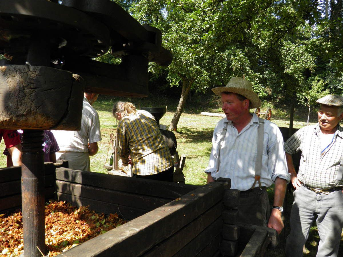 Une fête des métiers d'autrefois réussie à Trotté le 21 août 2011