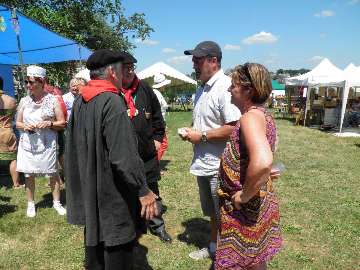 Rencontre avec Denis Geslain, maire de Pré-en-Pail-Saint-Samson et de son épouse.