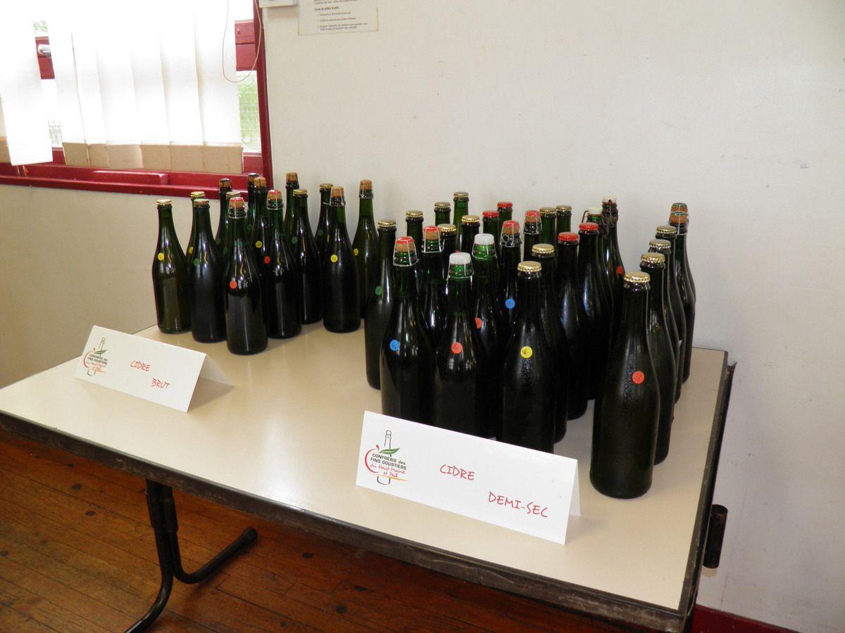 Moins d'échantillons de cidre présentés cette année.