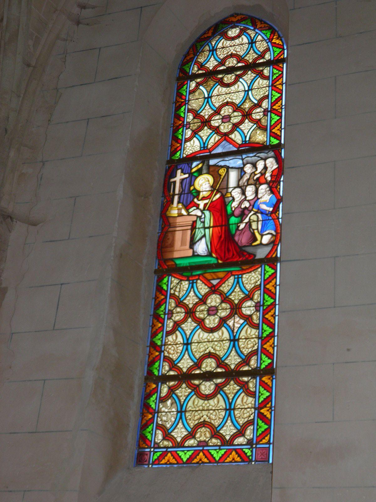 L'église de Saint-Julien-des-Églantiers