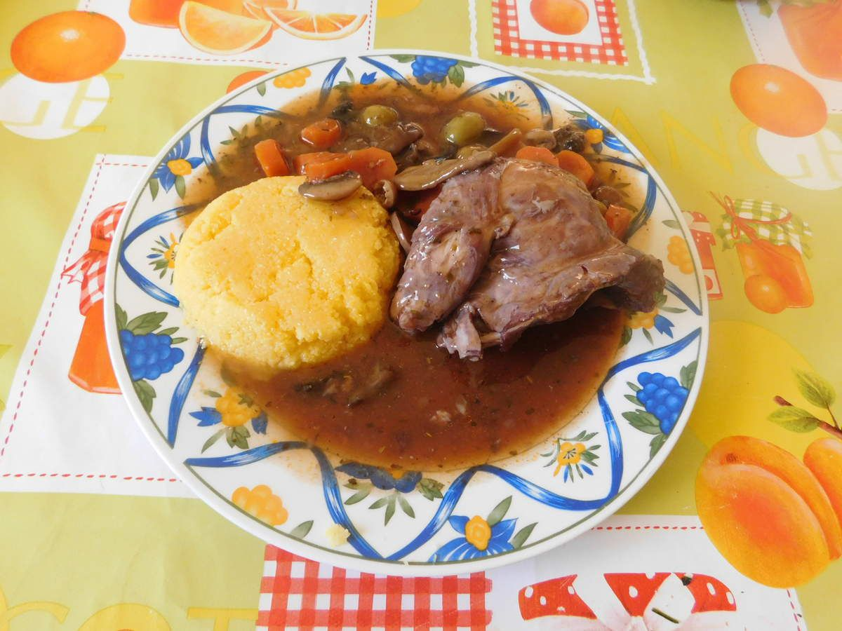 Lapin sauce chasseur