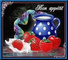 Bavarois aux fraises sur génoise pistache