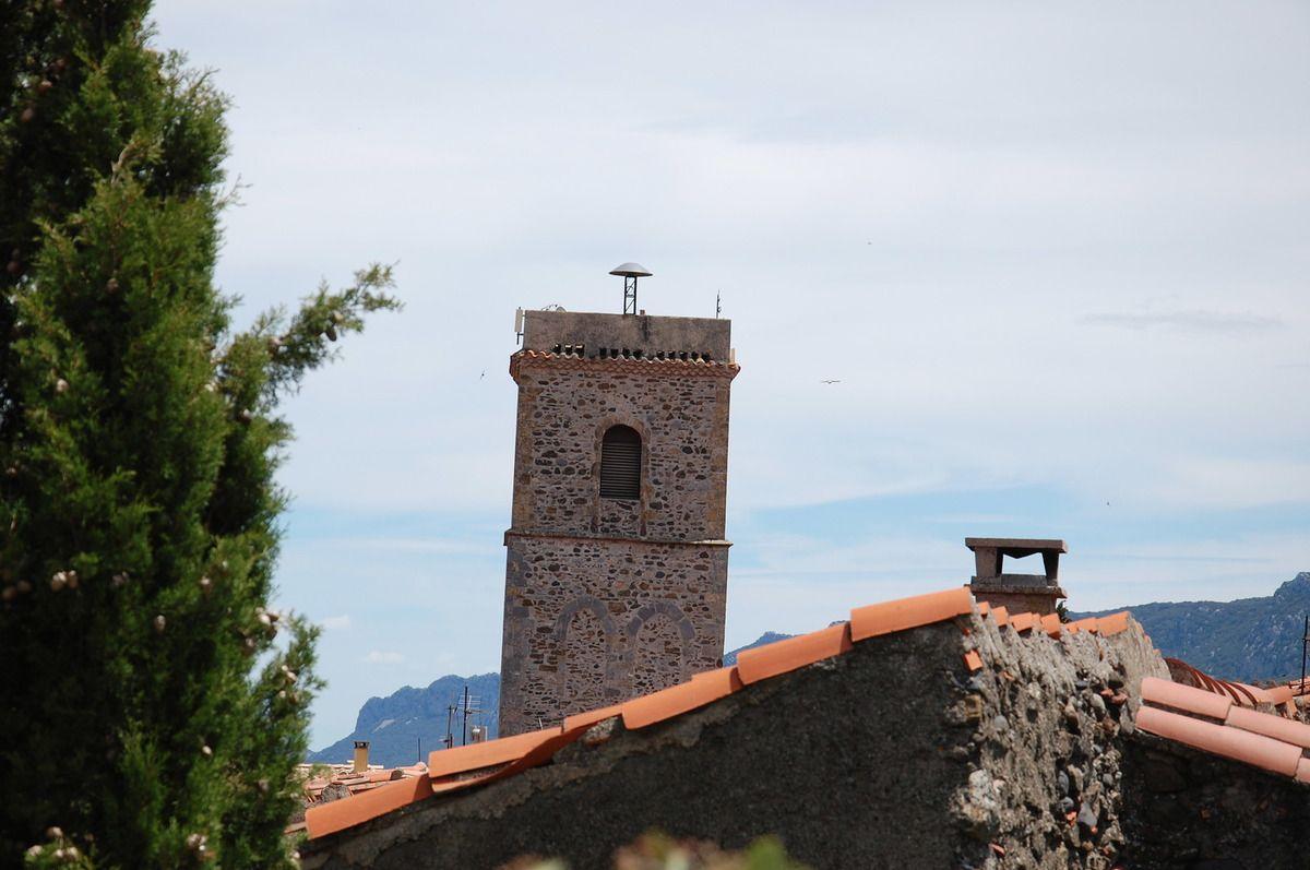 Le clocher.