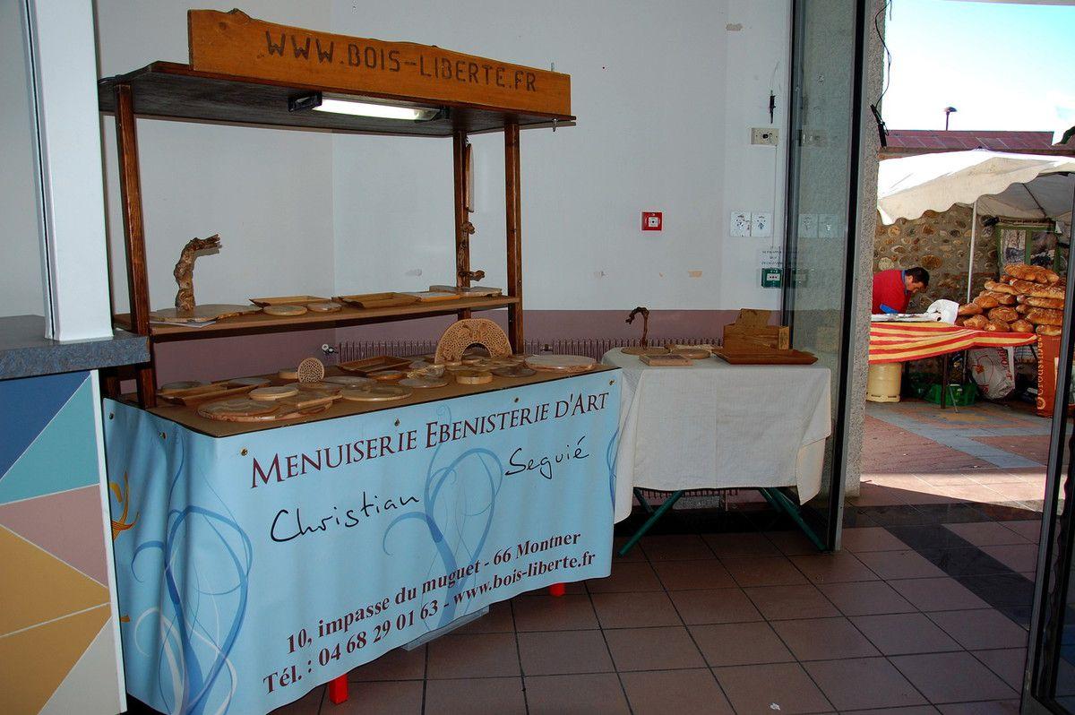 Voici le stand de menuisier ébéniste de Montner.