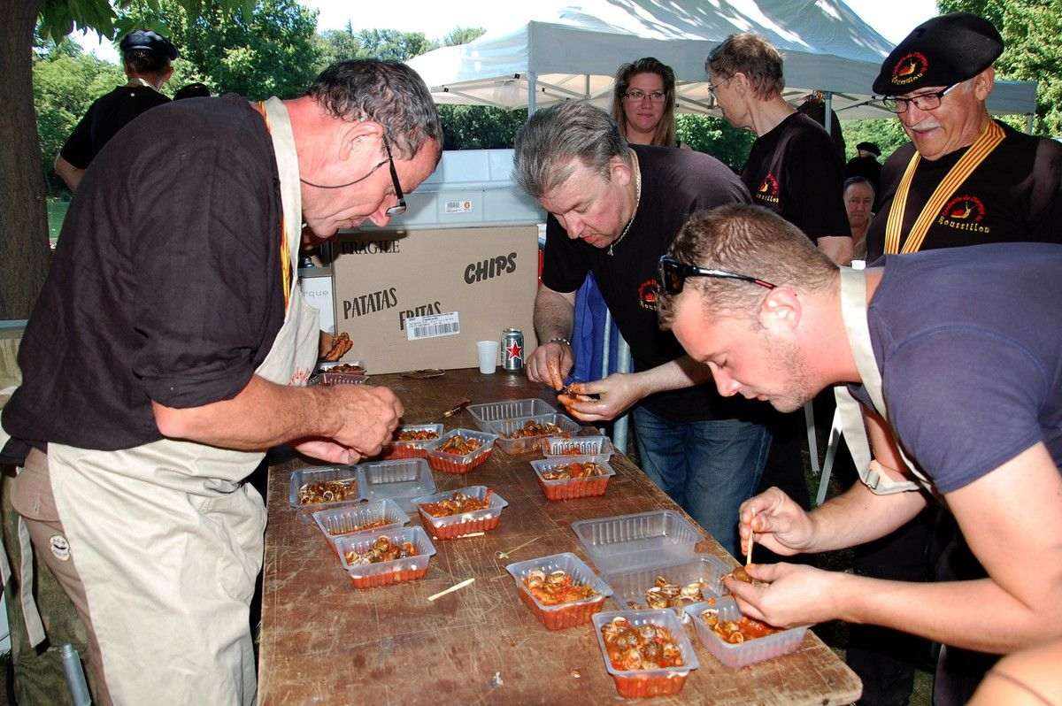 C'est le concours du plus grand mangeur d'escargot.