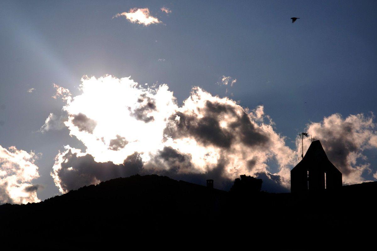 Avec le clocher de Lansac.