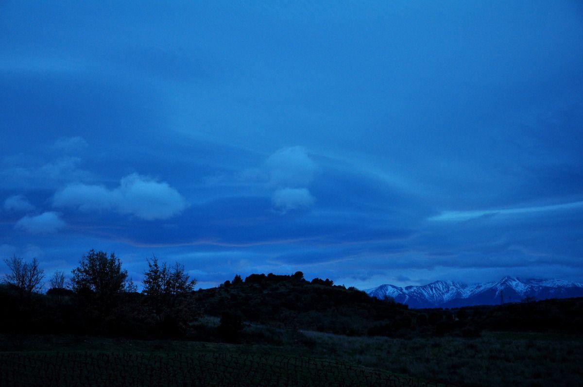 Le Canigou, ciel gris, mais beau quand même.
