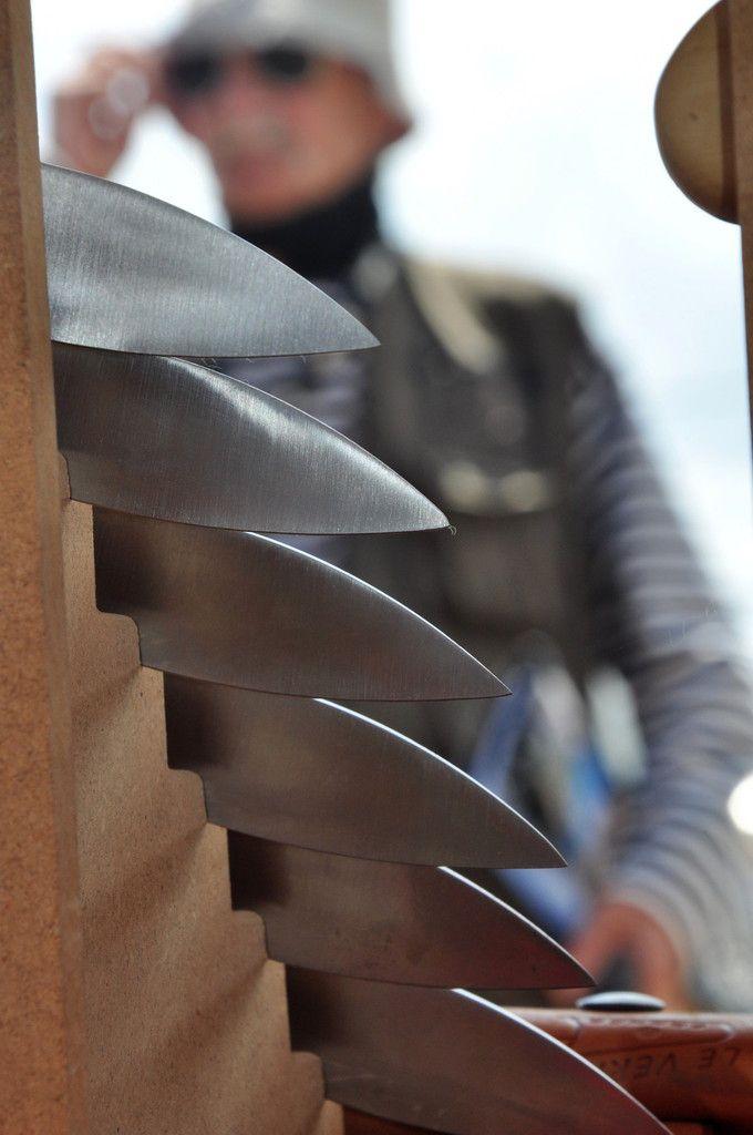 Les lames du couteaux.