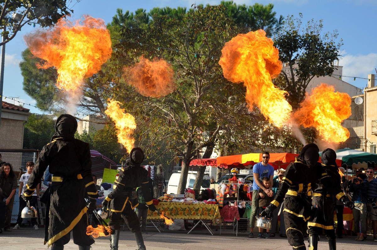 Spectacle de feu avec les Frères Lumières