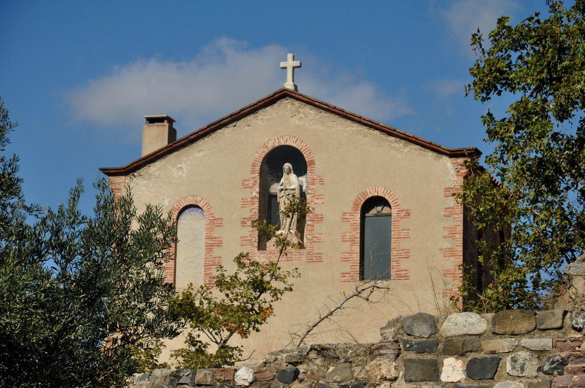 Dans les rues, une école, un église, un coin bien joli question patrimoine.