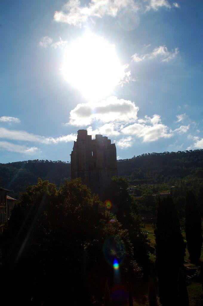 la tour et le soleil.