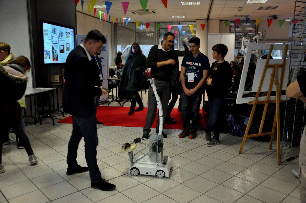Les robots, la vedette de l'exposition.