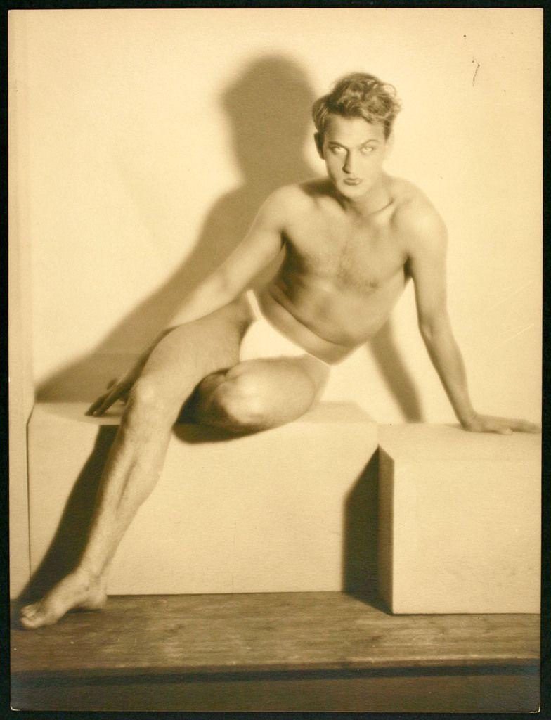 Laure Albin Guillot-Etude de nu. Laure Albin Guillot Etude de nu Paris, vers 1930 30 x 40 cm © Laure Albin Guillot / Collections Roger-Viollet / BHVP