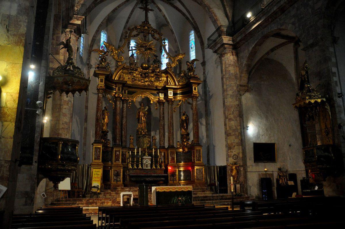 Quelques vues de l'intérieur de l'église.