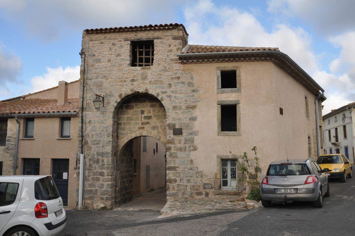 La porte du village.