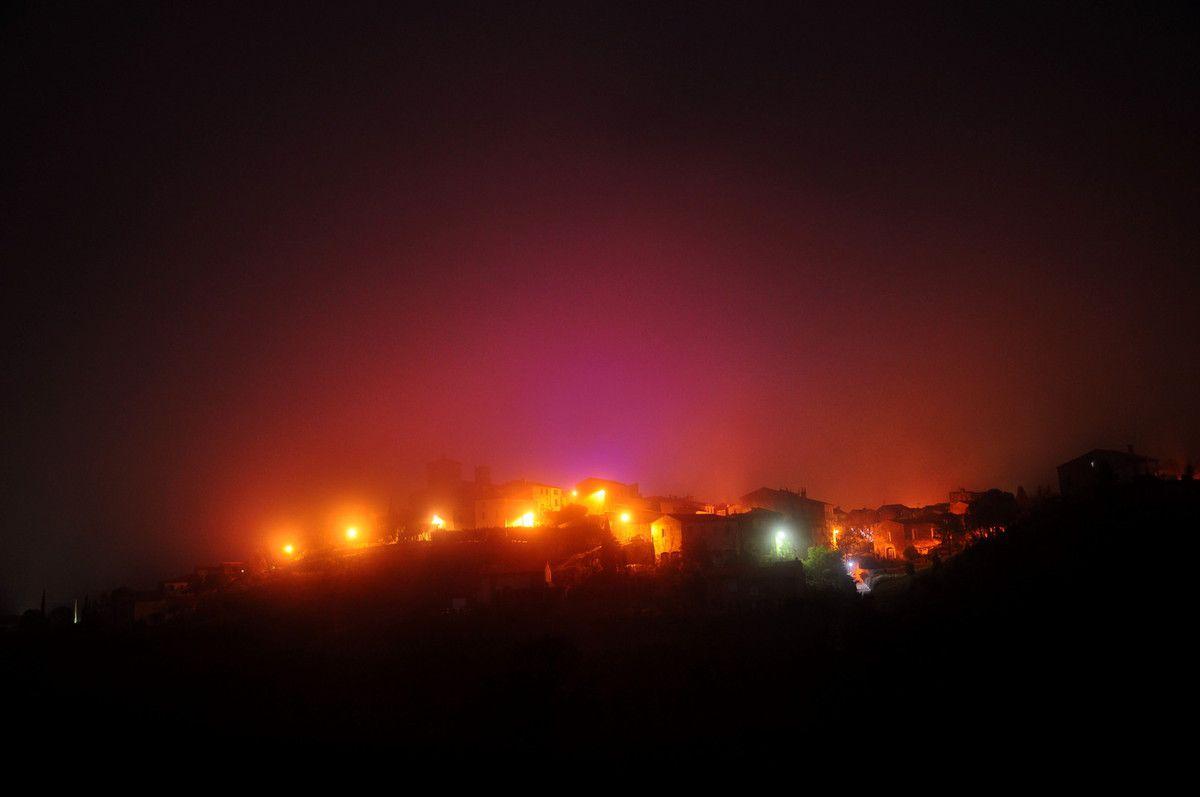 Montner dans les couleurs du brouillard, grand moment pour un amateur de photos.
