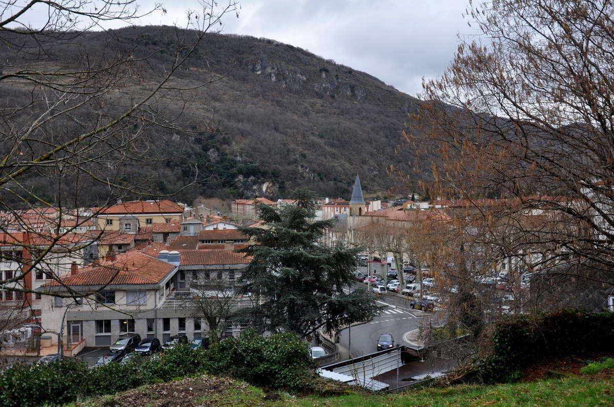 Sur le centre-ville de Foix.