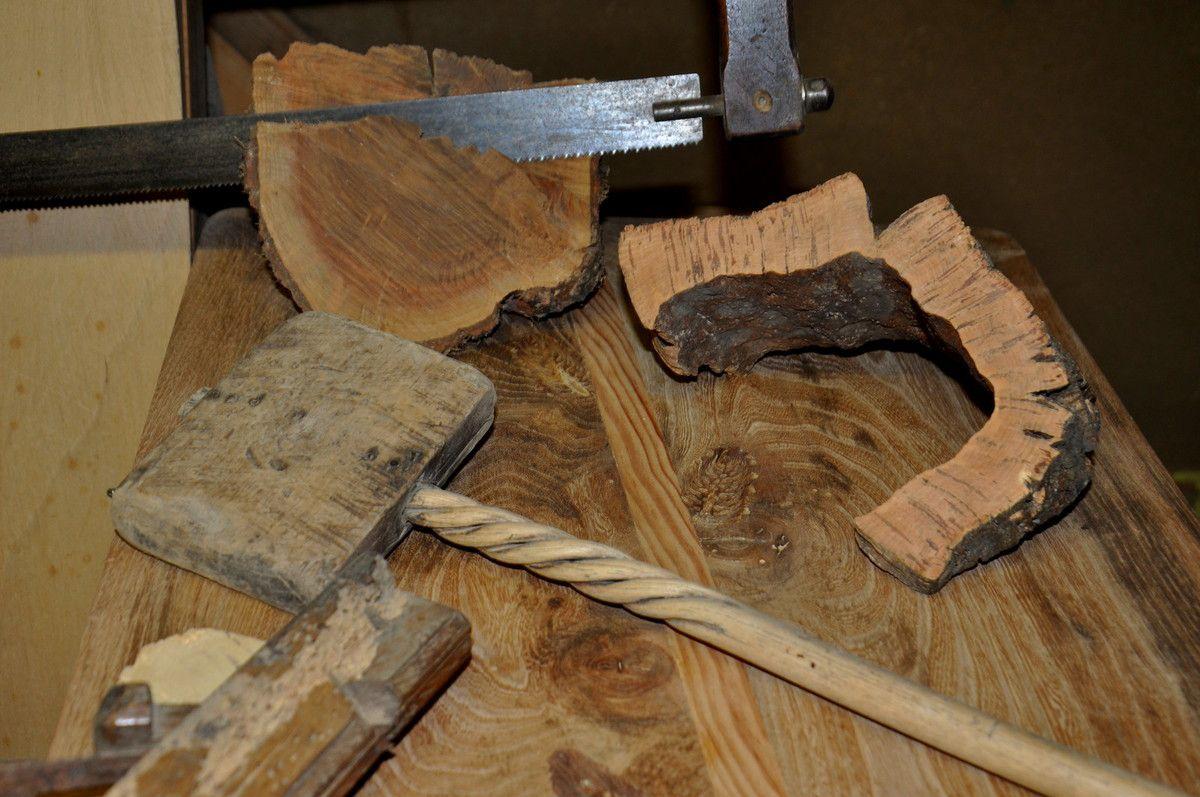 Champignons en bois de mûrier, figuier, rabot en chêne vert, l'utinet est en micocoulier, liège, cerisier