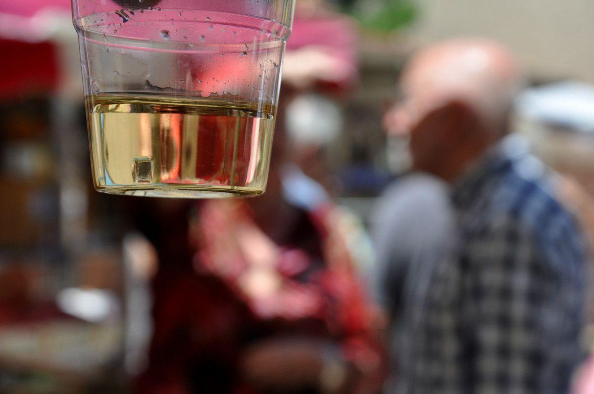 Le verre de l'amitié et l'apéritif d'après inauguration.