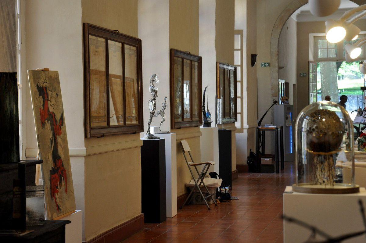Dans les couloirs de l'abbaye c'est faire le tour de la cours d'honneur