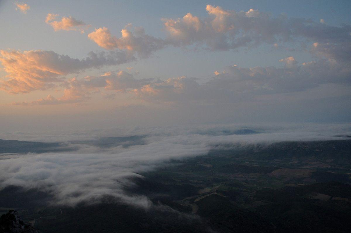Face à la mer et face à la mer de nuages.