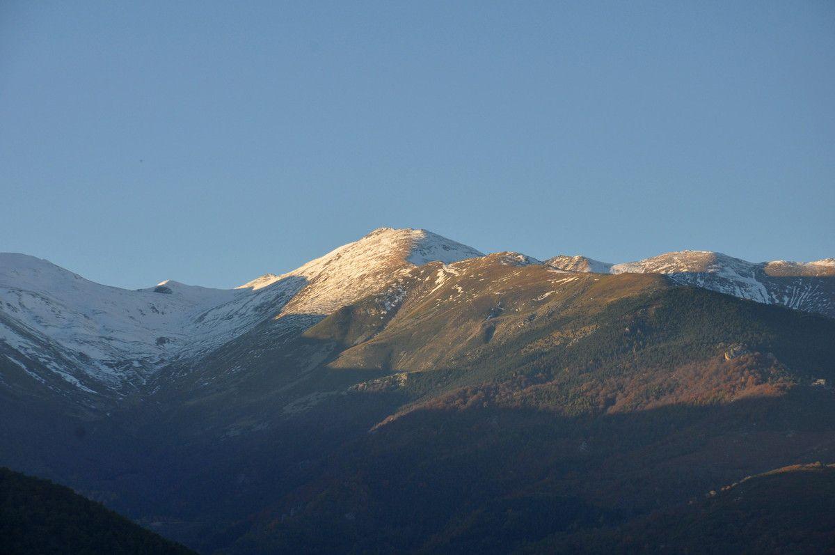 La montagne est toujours aussi belle en fin de journée.