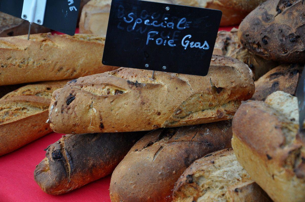 Le pain directement au foie gras.