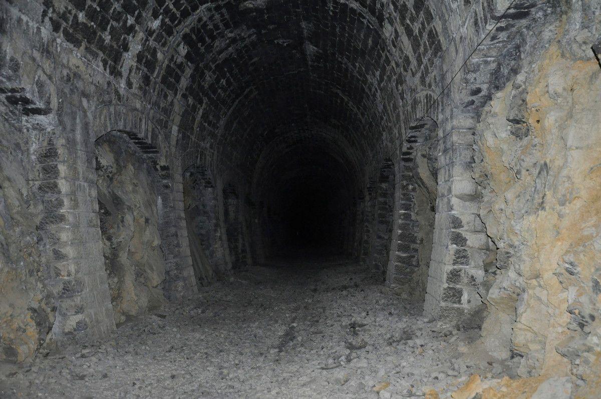 Avec le flash, ce tunnel semble interminable.