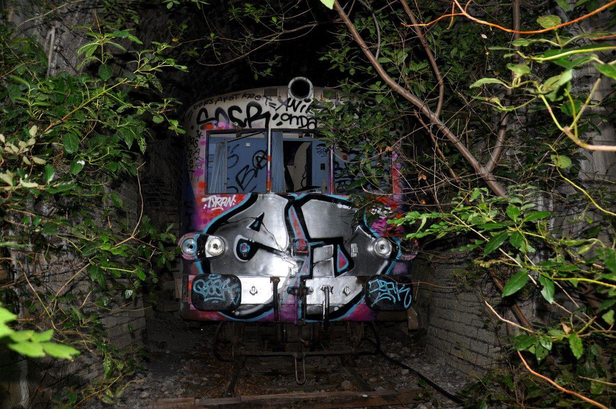Un train complet qui dort , impressionnant.
