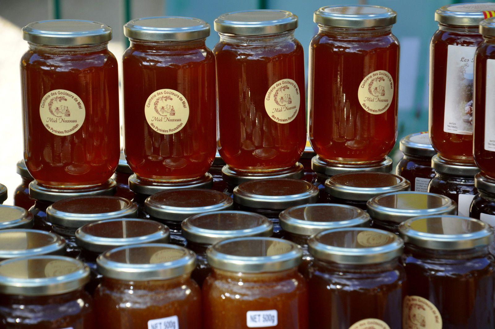 Le miel nouveau en pots