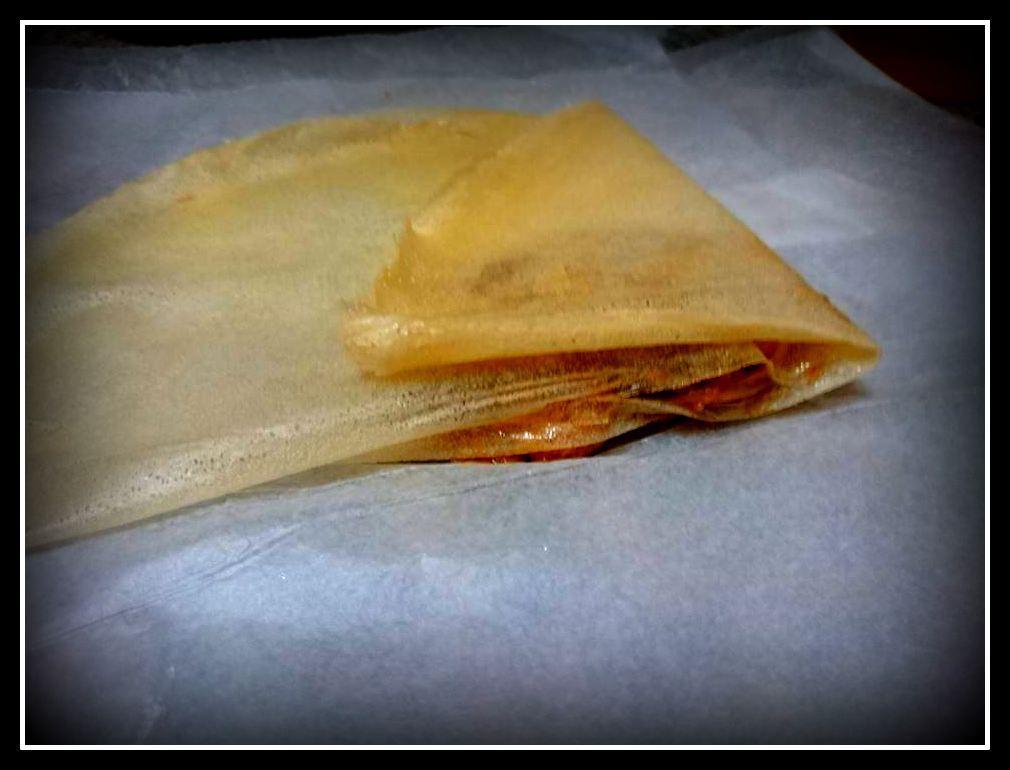 Paquetitos de pasta brick con boletus, gambas y gulas